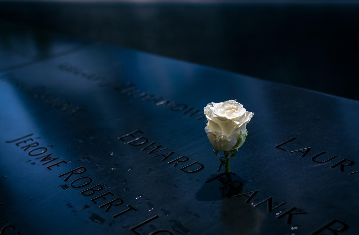 memorial_torres gemeas_rosa